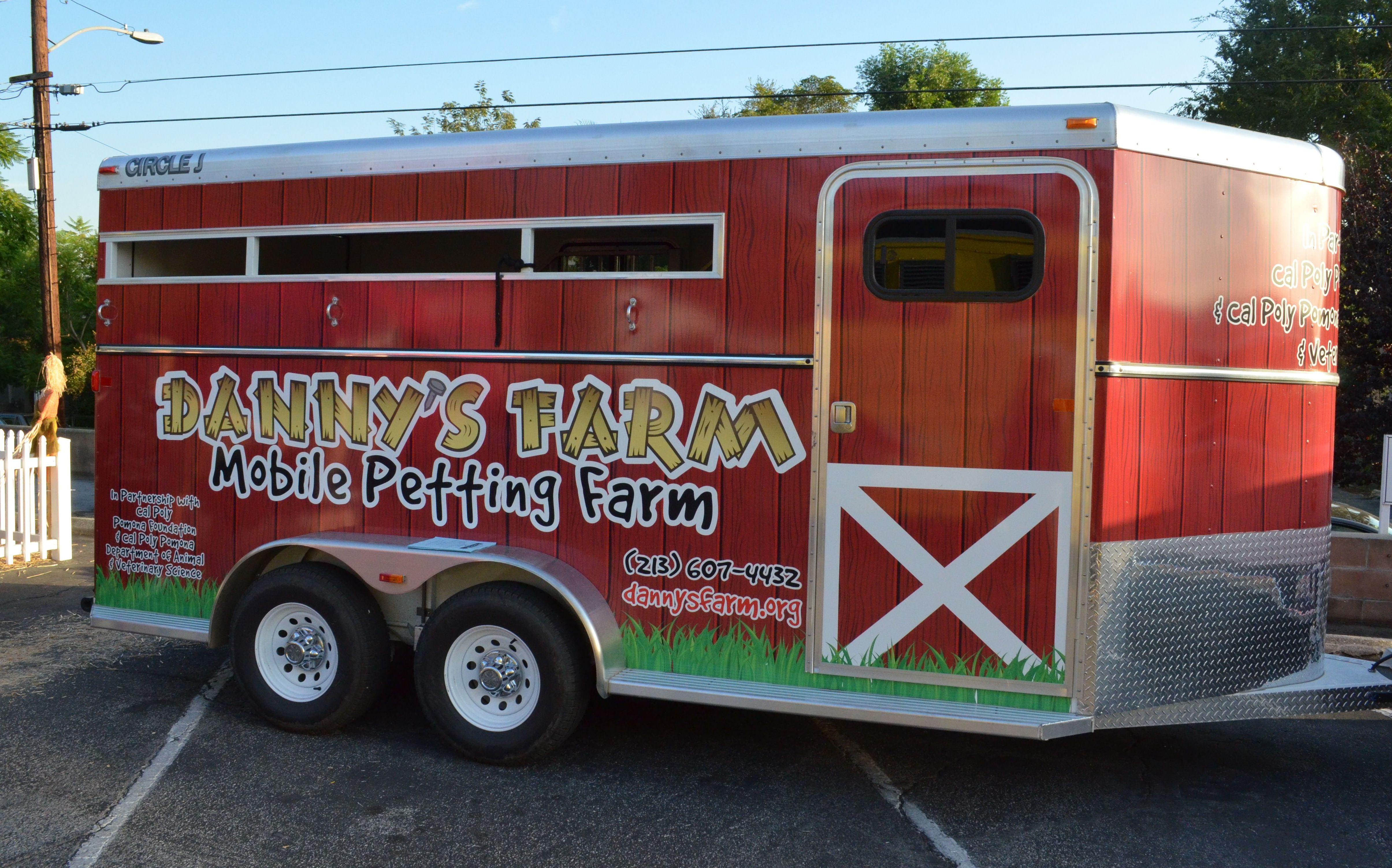 Altadenas Fancy Food Truck Fridays Will Be Hosting Dannys Farm Special Pumpkins For Kids Pick Out Your Annual Pumpkin While Visiting The Petting